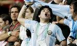 Многоликият Марадона, който зарази света с футболната си страст