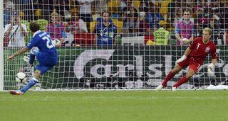 Италия отстрани Англия от Евро 2012 след драма с дузпи - Евро 2012 - Дневник