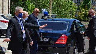 Борисов лъска фасадата на ГЕРБ предизборно, за да се прикрие зад нея